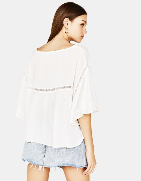 Блуза с отделкой кружевом, в стиле oversize