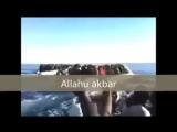 Refugiados gritamAllahu akbar, a Europa