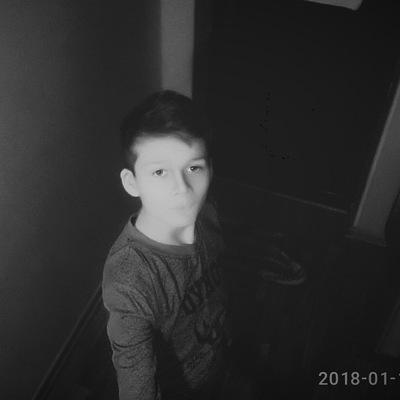 Артем Романов