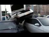 Пьяный уфимец снес пять припаркованных машин