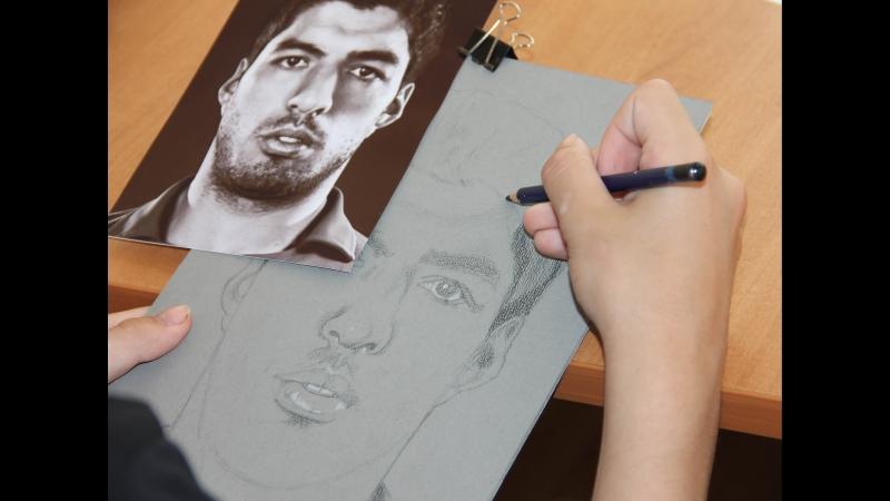 Луис Суарес - футболист, нападающий испанс. клуба «Барселона»