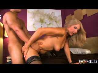 Блондинки милф матюр в очко порно