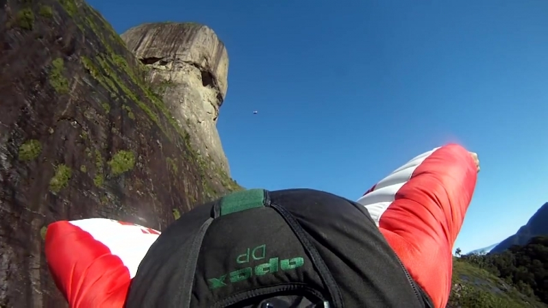 BEST_OF_F_A_S_T_Wingsuit_and_Base_Jumping__Br_anwap.org)