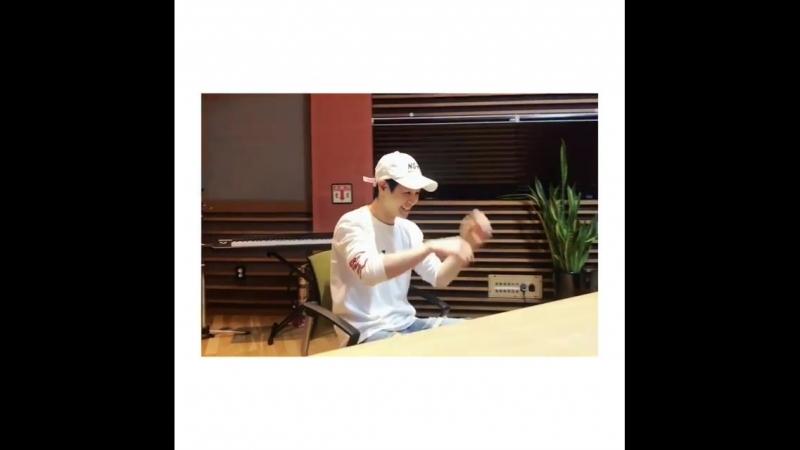 Instagram post by 양요섭의 꿈꾸는 라디오 • Apr 25, 2018 - 2