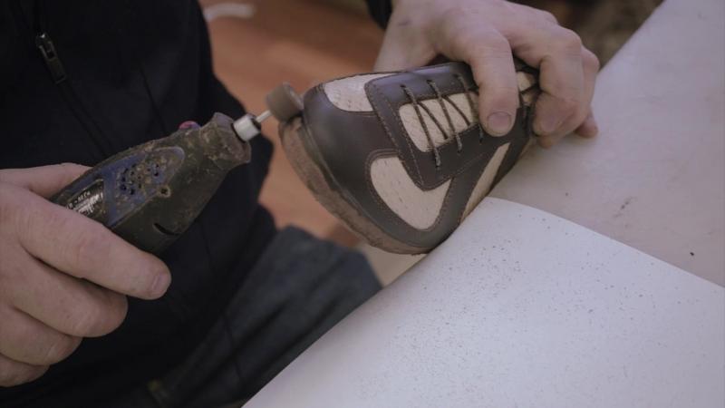УРОК 6 – ПРИКРЕПЛЕНИЕ ПОДОШВЫ КЛЕЕВЫМ МЕТОДОМ. ФИНИШИРОВАНИЕ. Ручное изготовление обуви.