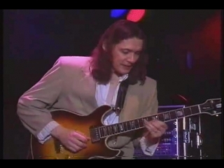 "Robben Ford _u0026 The Blue Line - _""She Cries_"" - 12 Bar Blues"