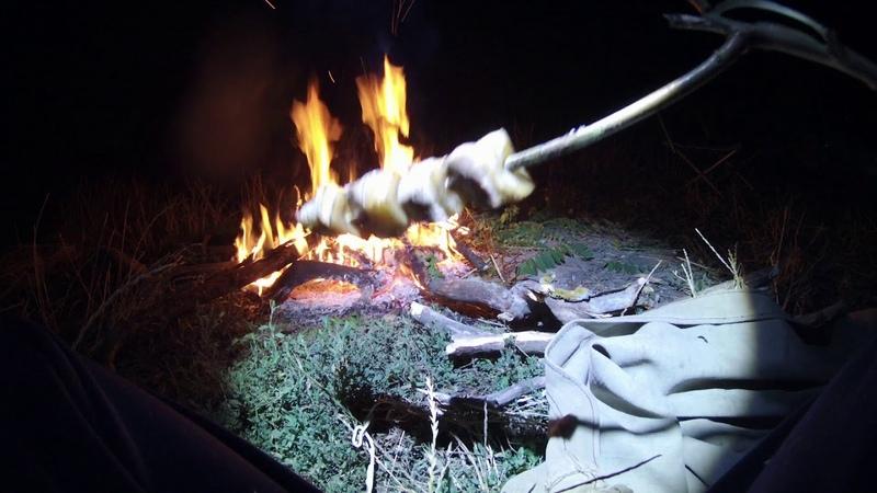 Рыбалка на фидер летом с ночевкой у костра. Душевный отдых от работы и суеты