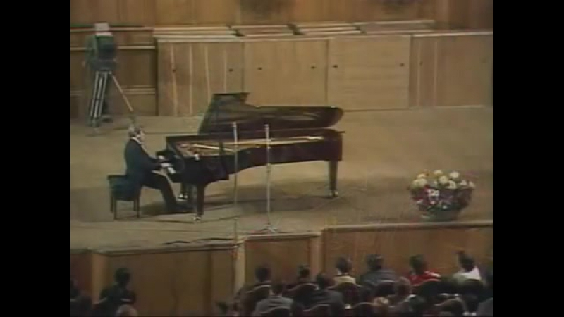 Gilels plays the Prelude in B minor (Bach - Siloti).mp4