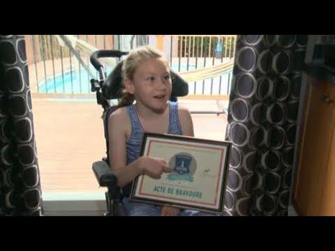 Atteinte d'une paralysie cérébrale, une fille de 9 ans sauve son frère de la noyade !