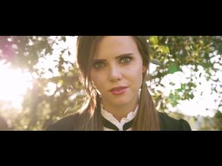 Кавер на песню Blackbird - The Beatles (Tiffany Alvord Cover)