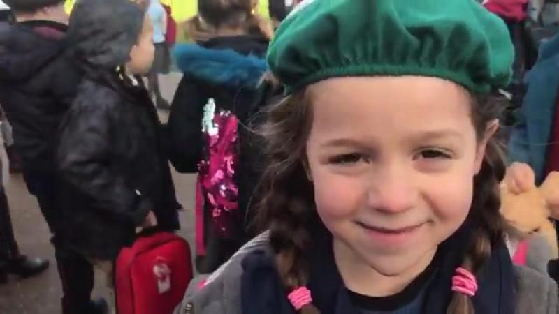 Визит в Кардифф, девочка рассказывает о предстоящей встрече с Меган и Гарри