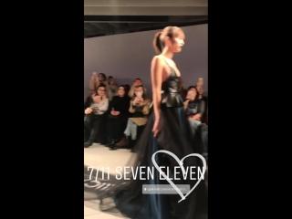 7/11 SEVEN ELEVEN.