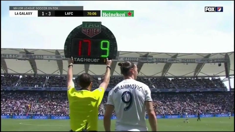 Zlatan Ibrahimovic comes on for his debut in LA Galaxy 31 march 2018