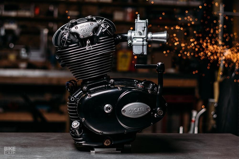 FrameCrafters х Analog Motorcycles: кастом Ducati 250 Moto3