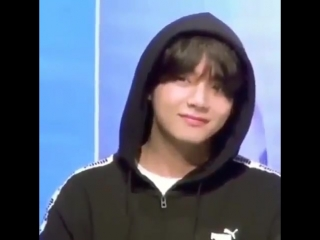 taehyungs reaction when a fan said hes handsome, LOOK AT HIS SMILE SO CUTE ADORABLE BABY -