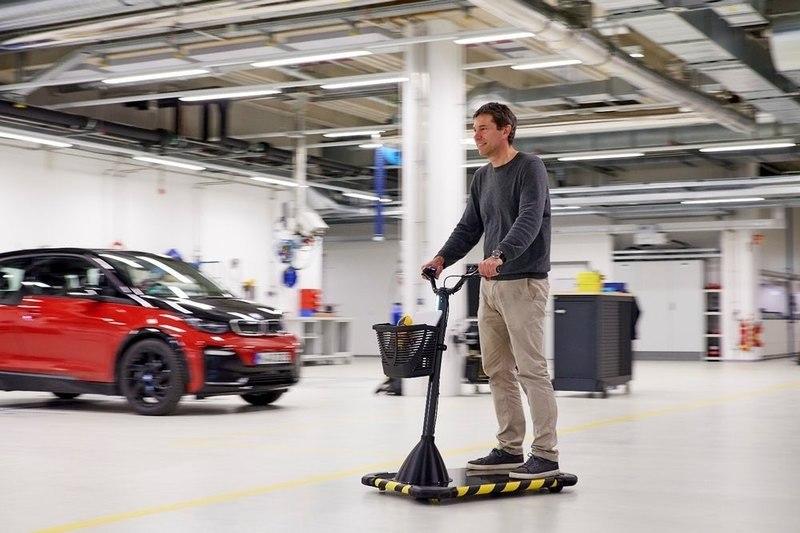 BMW разработала Personal Mover Concept для сотрудников своих заводов