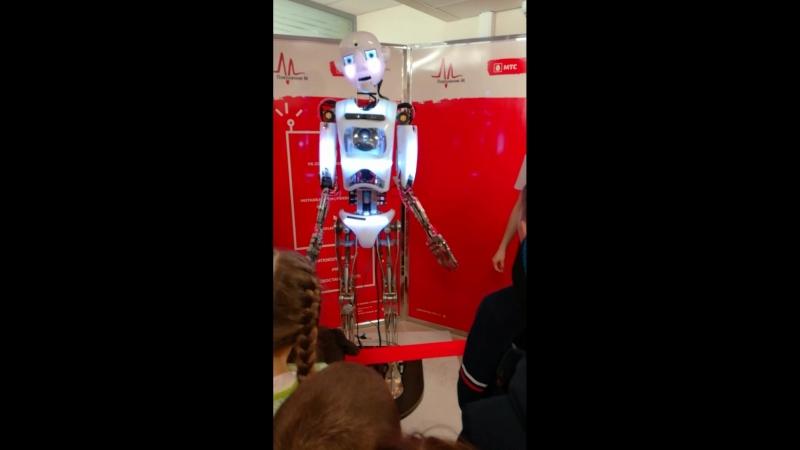 Робостанция МТС /роботы со всего мира