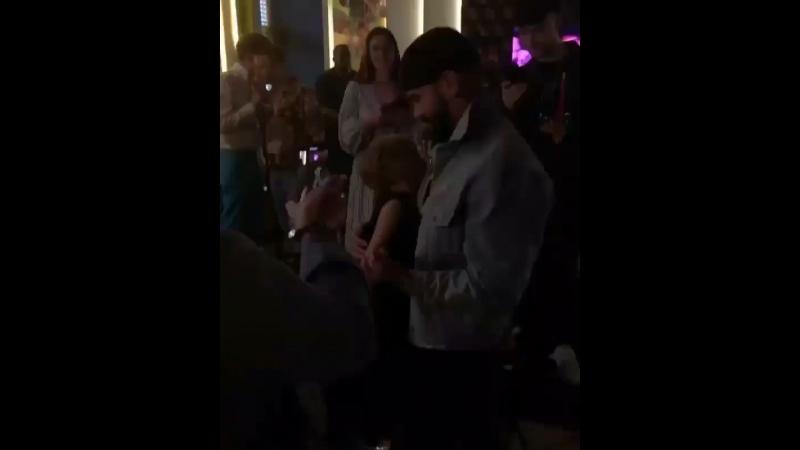 Тим танцует с Алисой, а Егор снимает. Часть 1.
