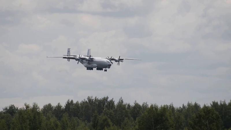 Антонов Ан-22 RF 09309 ex Попугай, посадка в Мигалово