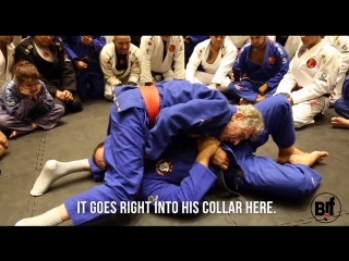 9th degree red belt grand master Reyson Gracie shows a sneaky double attack from the kimura position