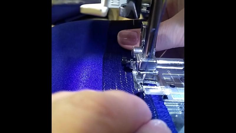 Подшиваем низ юбки с регилином.