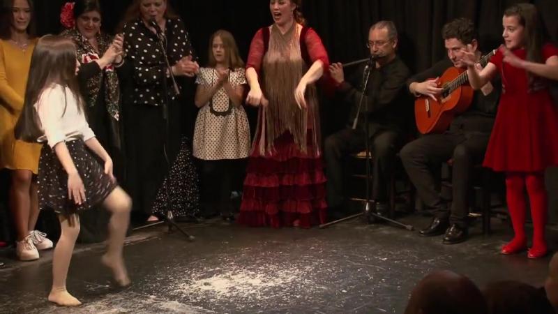 Casa Patas, flamenco en vivo - La Truco es una gran artista y, además, una reconocida profesora de flamenco (HD) (via YiLoader)