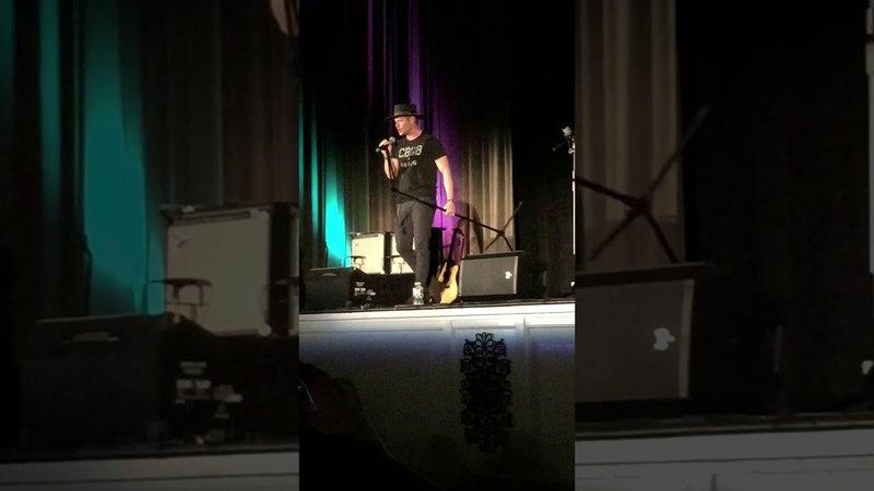 Jensen Ackles singing Whipping Post at SPNNash