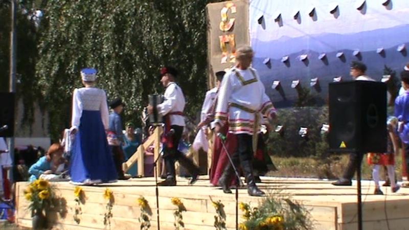 Дефиле Русские костюмы Ломовки на празднике Лакомка 29 08 2016 г