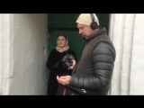 Катя Куваева поёт народную песню на съемках «Ехал Грека. Путешествие по настоящей России»