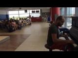 Пианист в аэропорту играет _К Элизе_ 12 разными ст.mp4