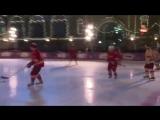 Дворовый хоккей на Красной площади: Путин, Шойгу и звезды сборных СССР и России