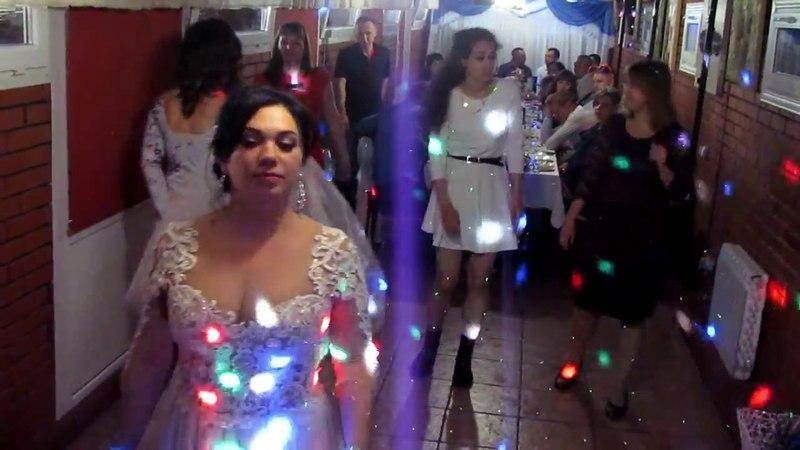 Бросание букета и подвязки невесты на свадьбе 2018 Запорожье ведущая тамада Мария