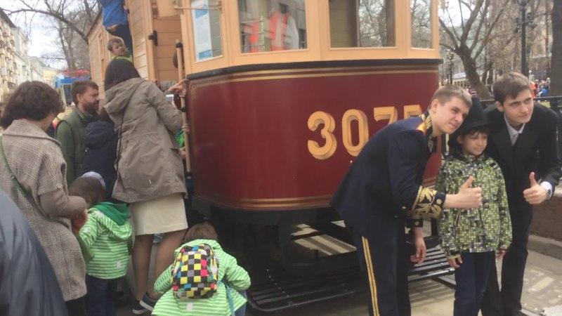 Трамвай Б «Вагон-Вышка» 3075