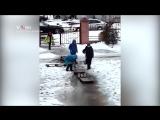 Дети тонут на пути к школе в Волгограде