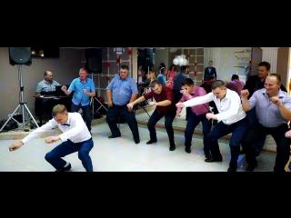 Вот это танцы!!! Зажигательный Ведущий Виталий Белоусов!!!