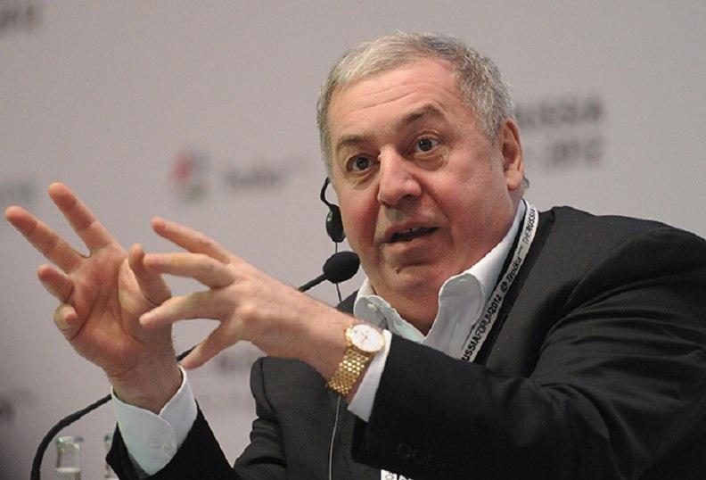 Олигарху Михаилу Гуцериеву вручили премию «Поэт года»