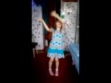 дочка сама поёт её любимые песни.