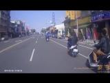 Юные китайские скутеристы