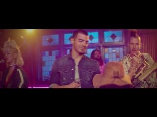 DNCE_-_Kissing_Strangers_ft_Nicki_Minaj[Youtube Converter Tube]