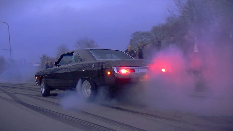 Tire Smoking MUSCLE CARS are BACK!! - Vantaa Cruising 42018