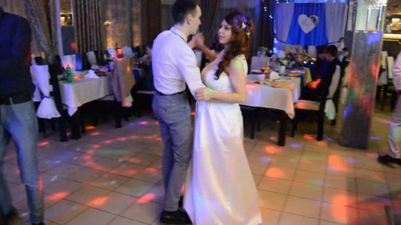 Танец невесты с братьями