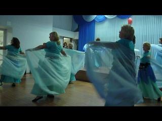 Очень нежный финальный танец коллектива
