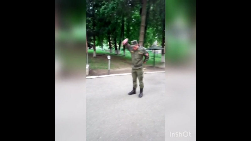 Вова танцует посодобль