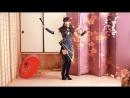 Красивый китайский танец в испонении юной девушки