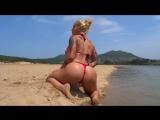 VICTORIA LOMBA горячая мускулистая зрелая фитоняшка с очень упругой большой жопой на пляже, не порно