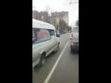 Маршрутка нагло едет по встречке в Краснодаре