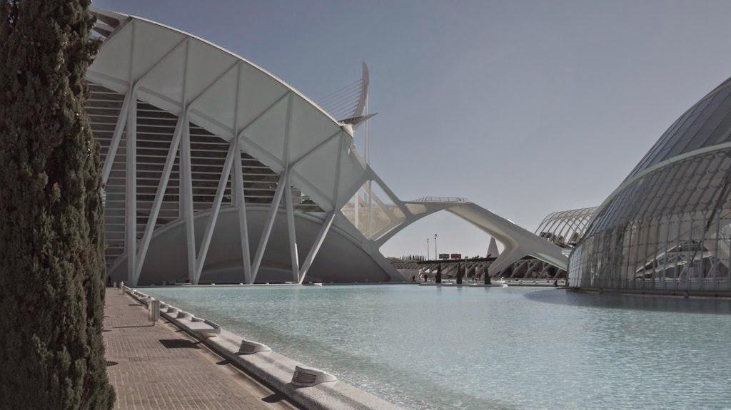"DYcwjmdSvvU - ""Город искусств и наук"" в Валенсии, Испания"