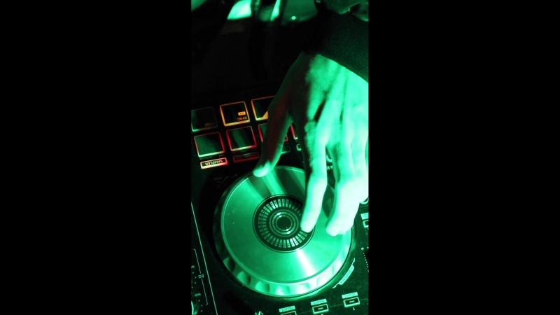 Restoobar.COCOS DJ.RUD