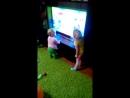 Танец Коляна ( реальные пацаны) в исполнении двухлетней Кати. Умора))
