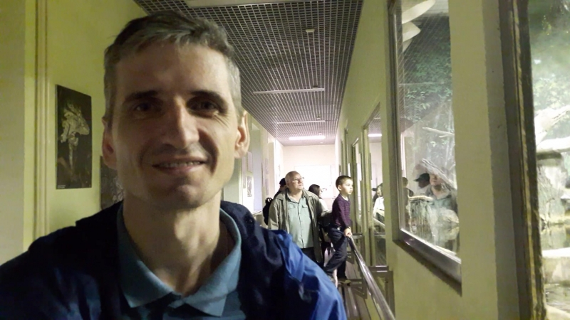Visiting reptiles in Moscow Zoo. Russia ! LGBT TRAVELS © Copyright.